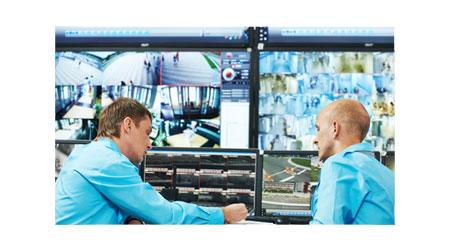 Extension KVM 4K en salles de contrôle.